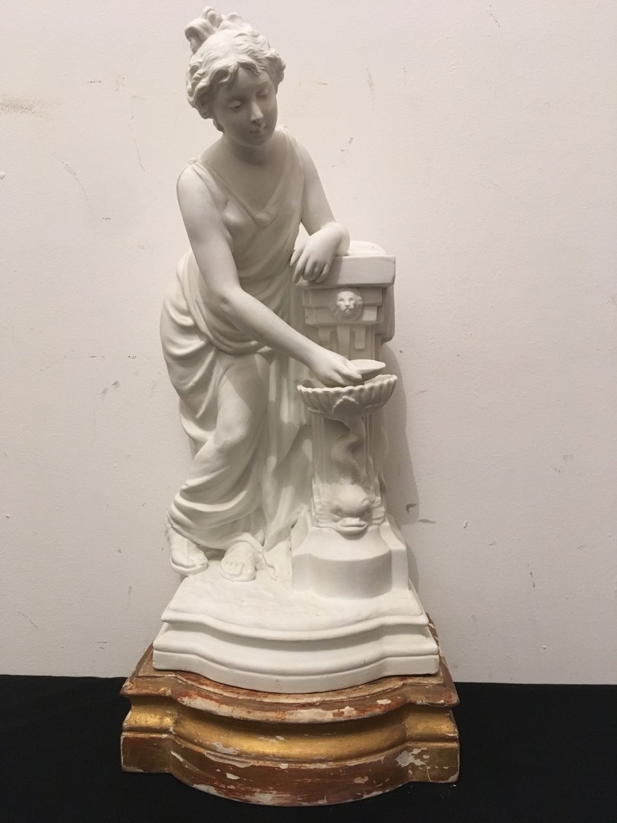 Statue Jeune Femme à La Fontaine en Biscuit Par Lecornet