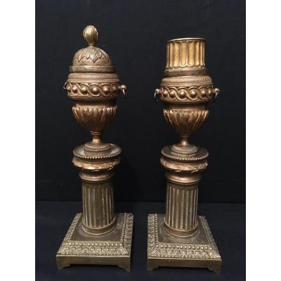Paire De Bougeoirs Bronze à Binets Réversibles Fin XVIIIème