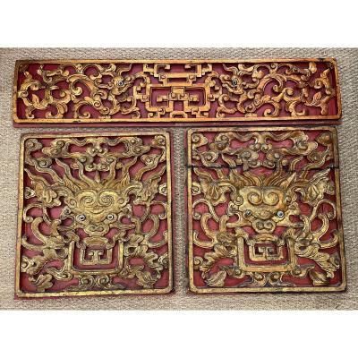 China Three Carved Wood Panels Golden Dragons On A Red Background XIXth