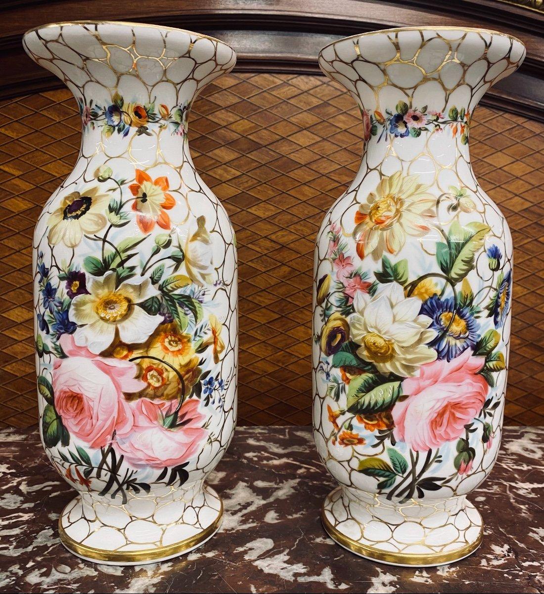 Vases En Porcelaine Sont Peints à La Main