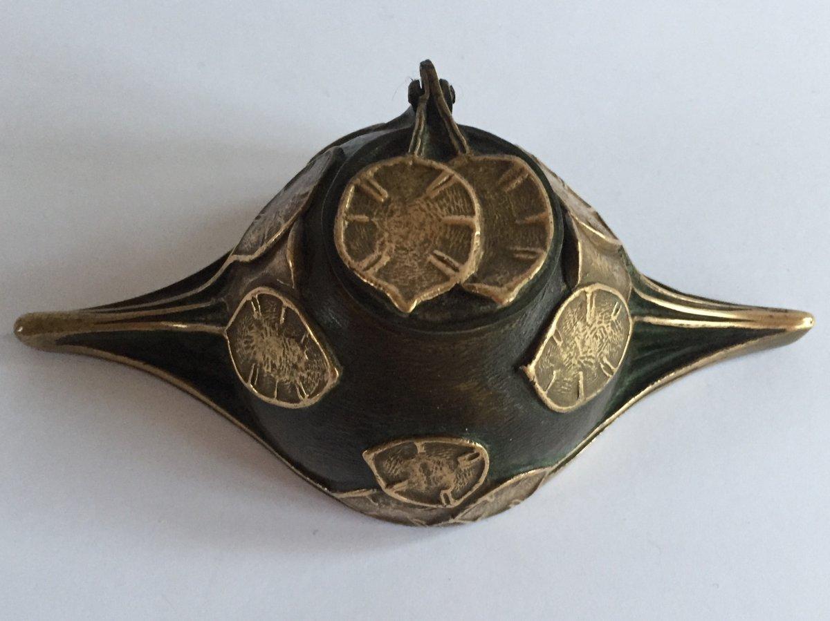 Encrier en Bronze Art Nouveau. Décor lunaire. G. Potiez.
