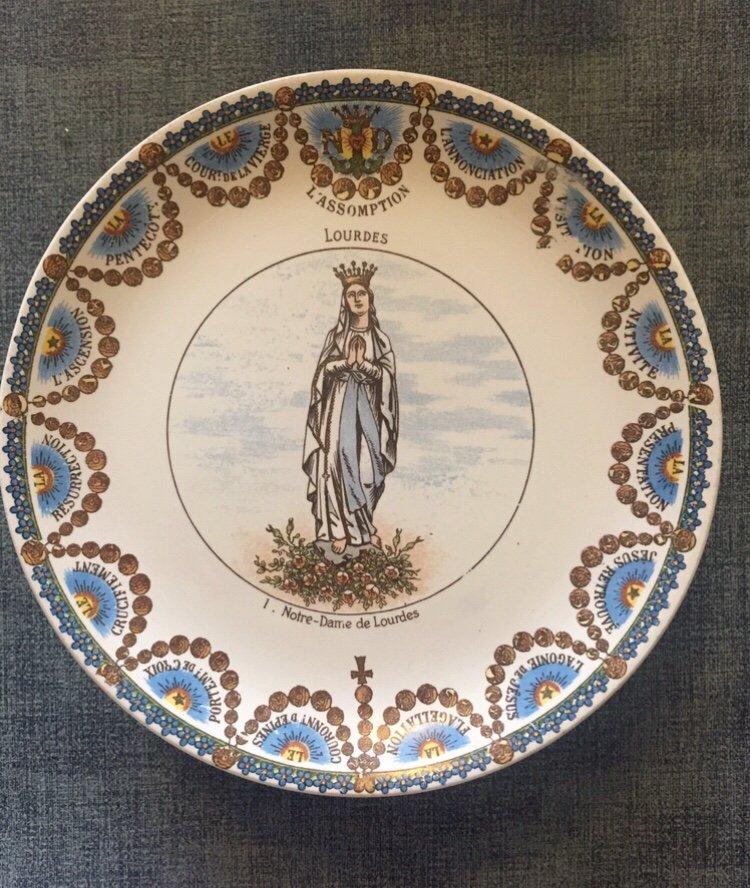 Suite De 12 Assiettes Parlantes XIXème. Lourdes.