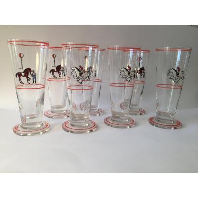 Ensemble de 7  grands verres Art Déco  à sujet émaillé. Cavaliers.