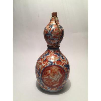Flacon à Saké en Porcelaine Imari. Japon XIXème.