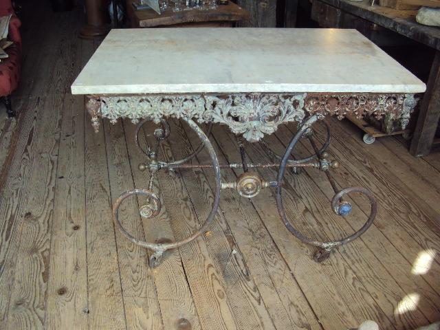 Table De Boucher