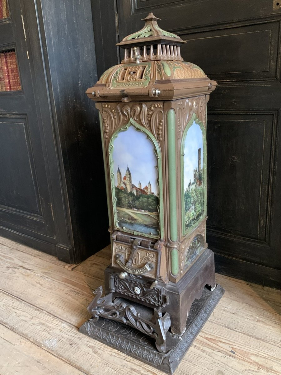 Wood Stove In Cast Iron And Enamel Late XIX Century