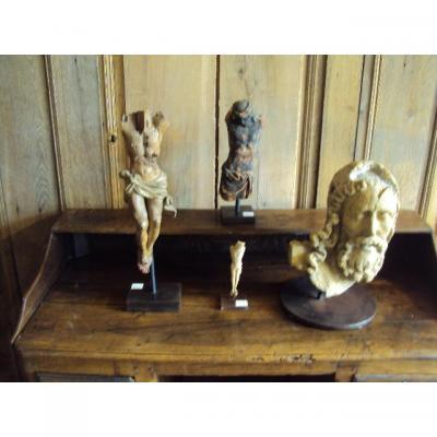 Ensemble De Sculptures Religieuse
