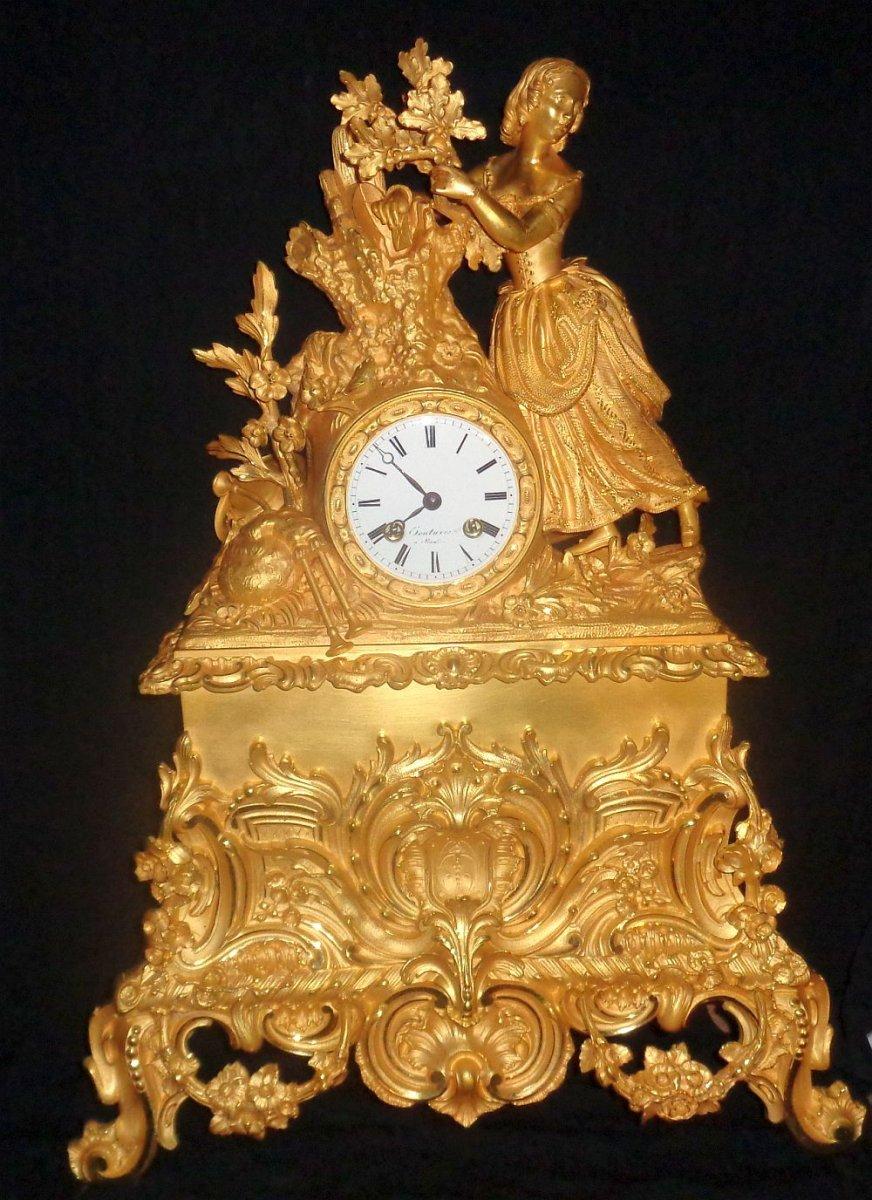 Grande pendule Charles X en bronze doré :
