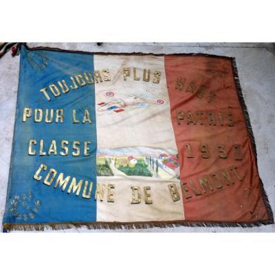 Drapeau des conscrits de Belmont classe 1930