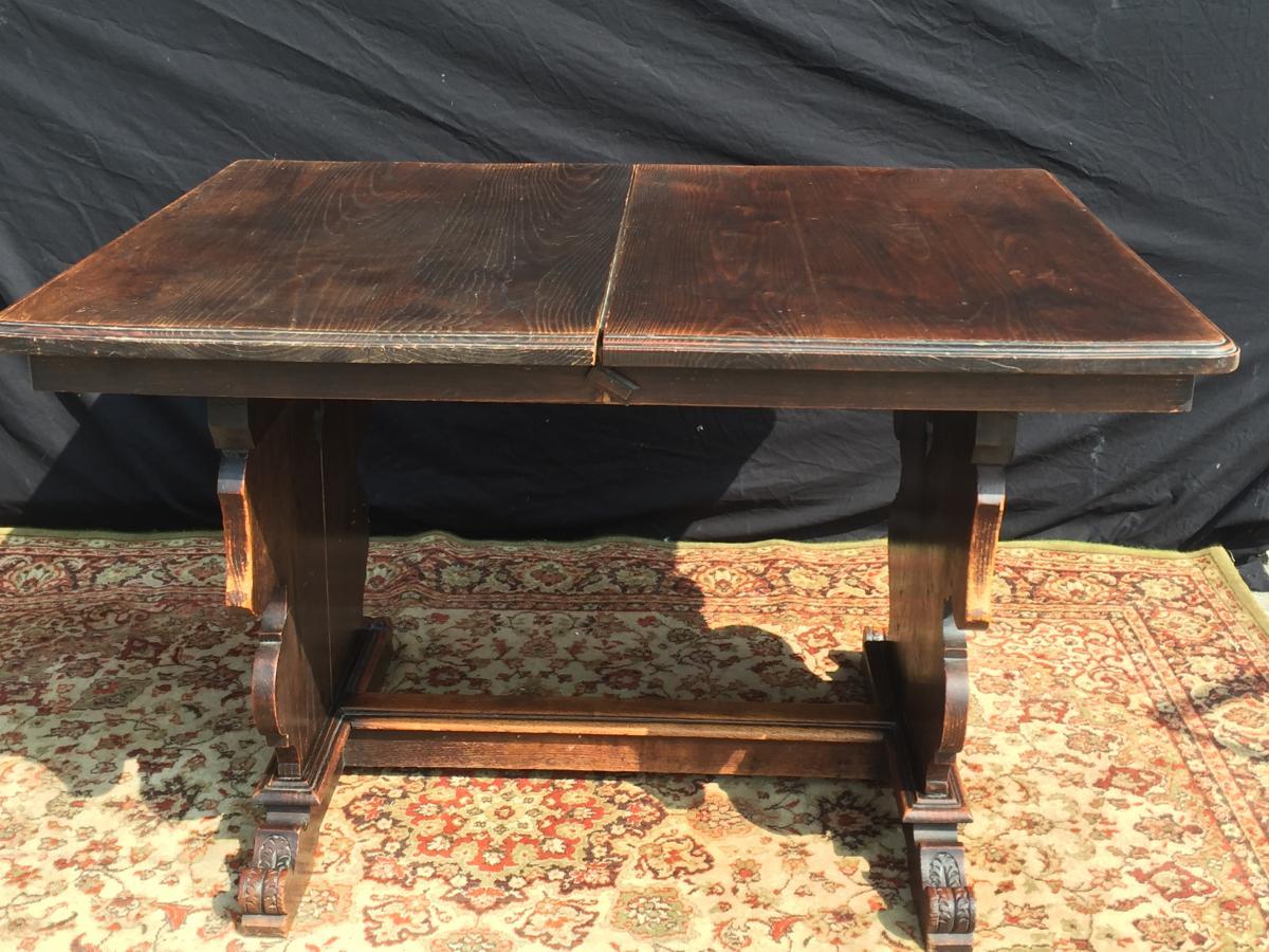 Table à Allonges En Chêne Style Renaissance