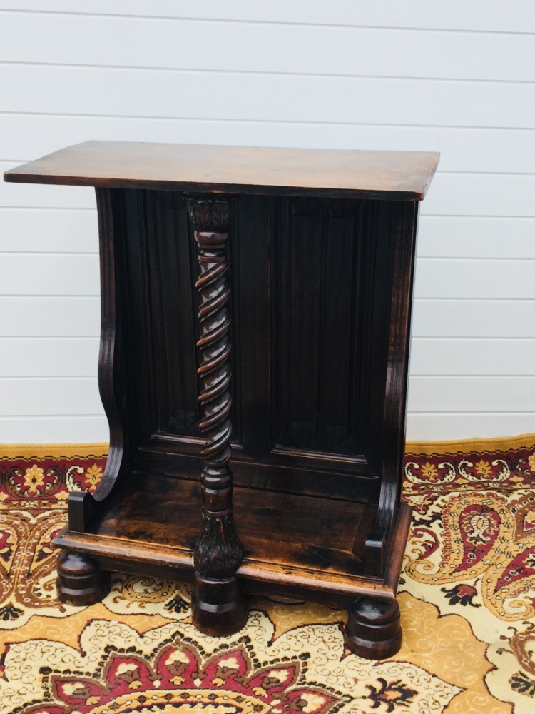 Console en noyer style Louis XIII époque XIX éme