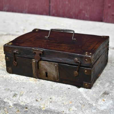 Small 17th Century Louis XIII Messenger Box Wood And Leather