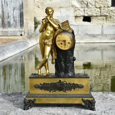 Restoration Period Clock - Le Faune Flûteur - Gilt And Patinated Bronze - After The Antique