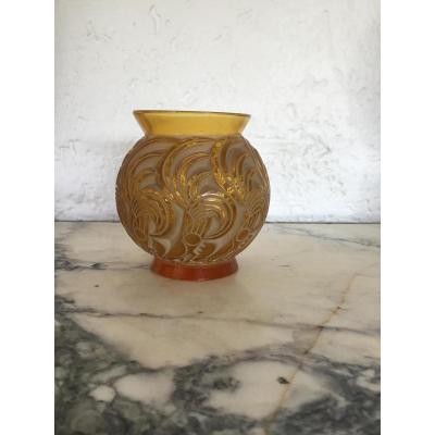 R.lalique Vase