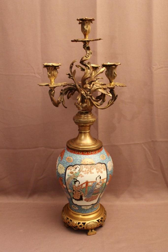 Grand candélabre Japon porcelaine et bronze ( signé )