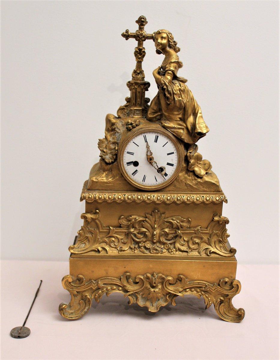 Pendule en bronze doré époque Restauration mouvement S. Marti et Cie XIX siècle
