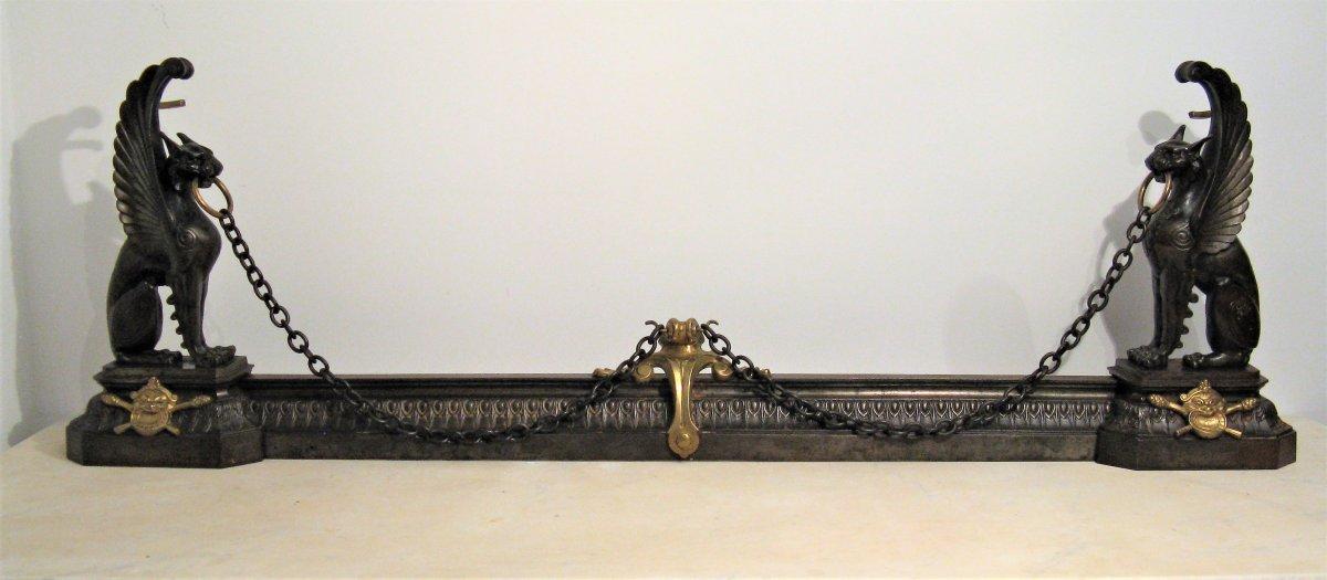 Devant de cheminée fonte de fer et bronze lions ailés XIX ème siècle