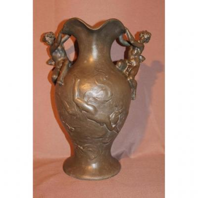 Vase en étain époque Art Nouveau signé Sylvain Kinsburger