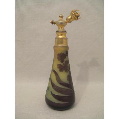 Vaporisateur à parfum signé Gallé époque Art Nouveau