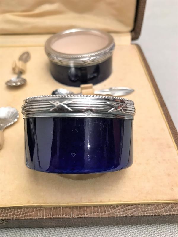 Quatre salerons porcelaine de Sèvres et argent massif minerve XIX ème siècle-photo-4