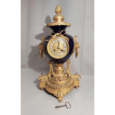 Louis XVI Style Clock In Gilded Bronze And Porcelain XIX Th Century