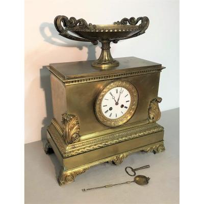 Pendule en bronze doré époque Restauration