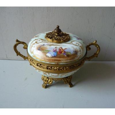 Bonbonnière En Porcelaine Empire