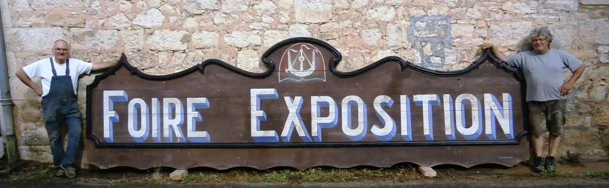 TRES GRAND PANNEAU EN BOIS PEINT FOIRE EXPOSITION
