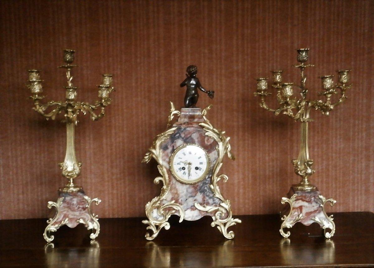 Pendule De Style Louis XV Rocaille.