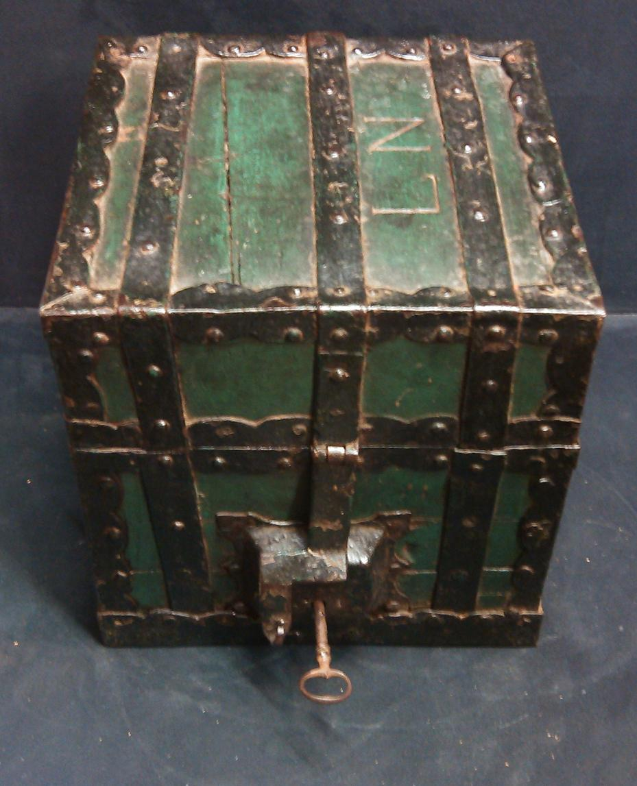 Coins Box In Wood Rimmed Metal XVIIIth Century