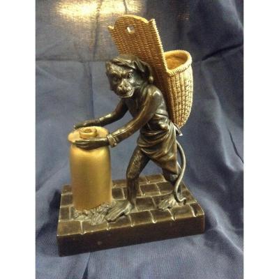 Amusant Bronze Représentant Un Singe Déguisé En Boulanger, Début XXème