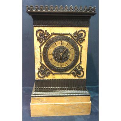 Pendule De Château Grande Qualité De Bronze Patine Brune Mouvement à Fil XIXe