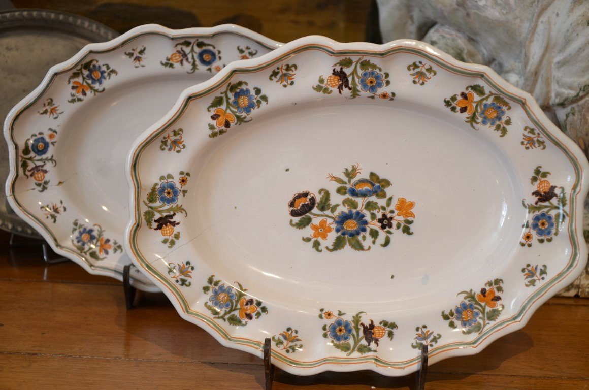 Pair Of Dishes. Moustiers. Eighteenth Century.