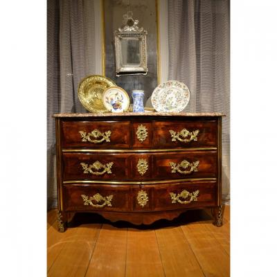 Elegant Curved Commode In Regency Period Marquetry.