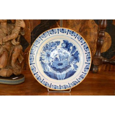Large Earthenware Dish. Delft. Eighteenth Century.