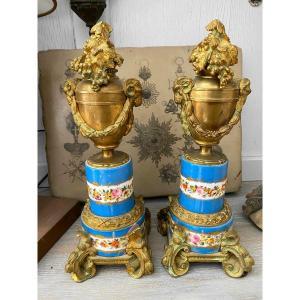 Paire De Cassolettes Bougeoirs En Bronze Et Porcelaine Dans Le Gout De Sèvres XIXème