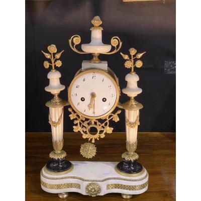 Lovely Gantry Pendulum