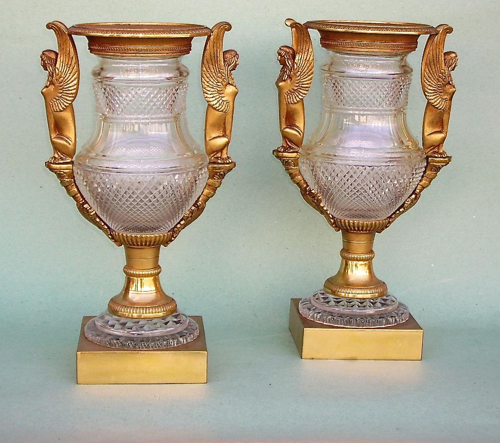 Paire De Vases Bronze Et Cristal
