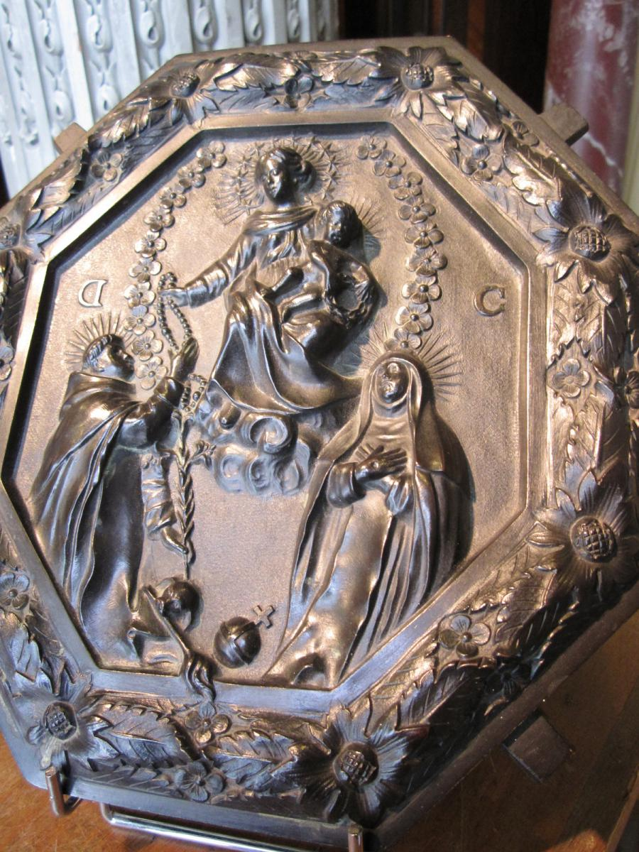 Plaque En Bronze Octogonale Representant La Vierge