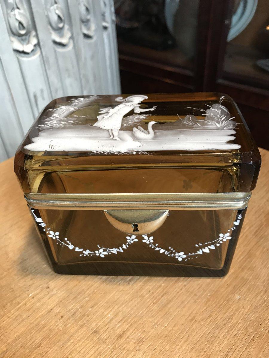 Coffret Rectangulaire verrerie  de Bohême , Dit «mary Gregory»