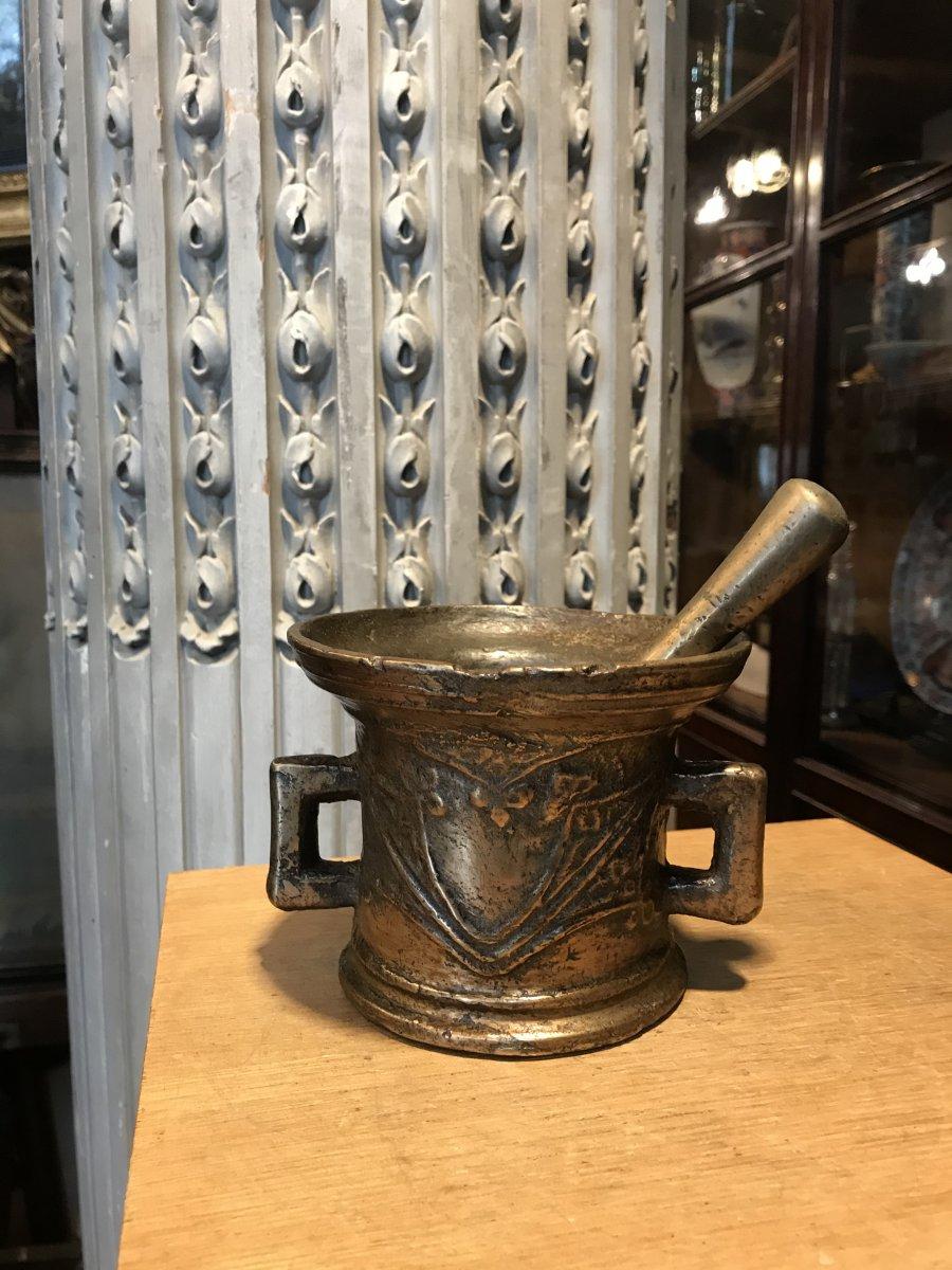 Mortier En Bronze Et Son Pilon Doté De Deux Anses.-photo-6
