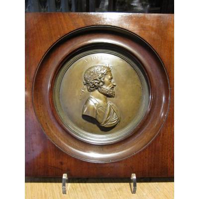 Médaillon En Bronze Uniface En Bronze Figurant Le Profil de l'Arioste