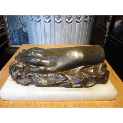 Hand Of Woman In Bronze Romantic Period, It Is Soclé On Onyx Base