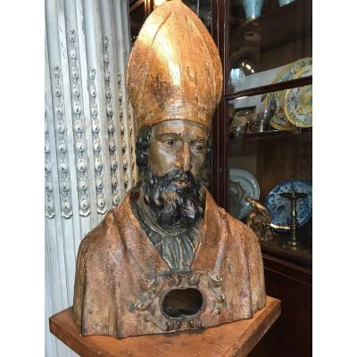 Important Reliquary Bust In Carved Wood.