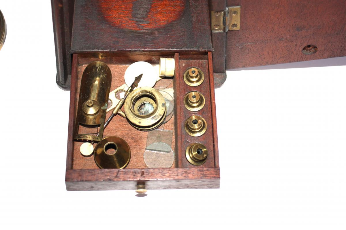 Microscope Type Culpeper Fin XVIII ème Dans Son Coffret