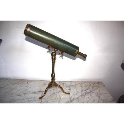 Télescope à réflexion signé Paris à Paris C.1730
