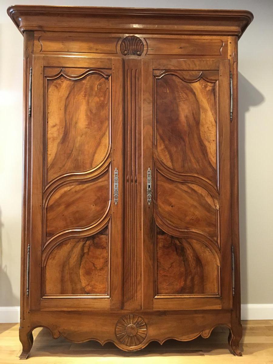 Armoire bourguignonne epoque 19 me armoires - Vente meubles anciens en ligne ...