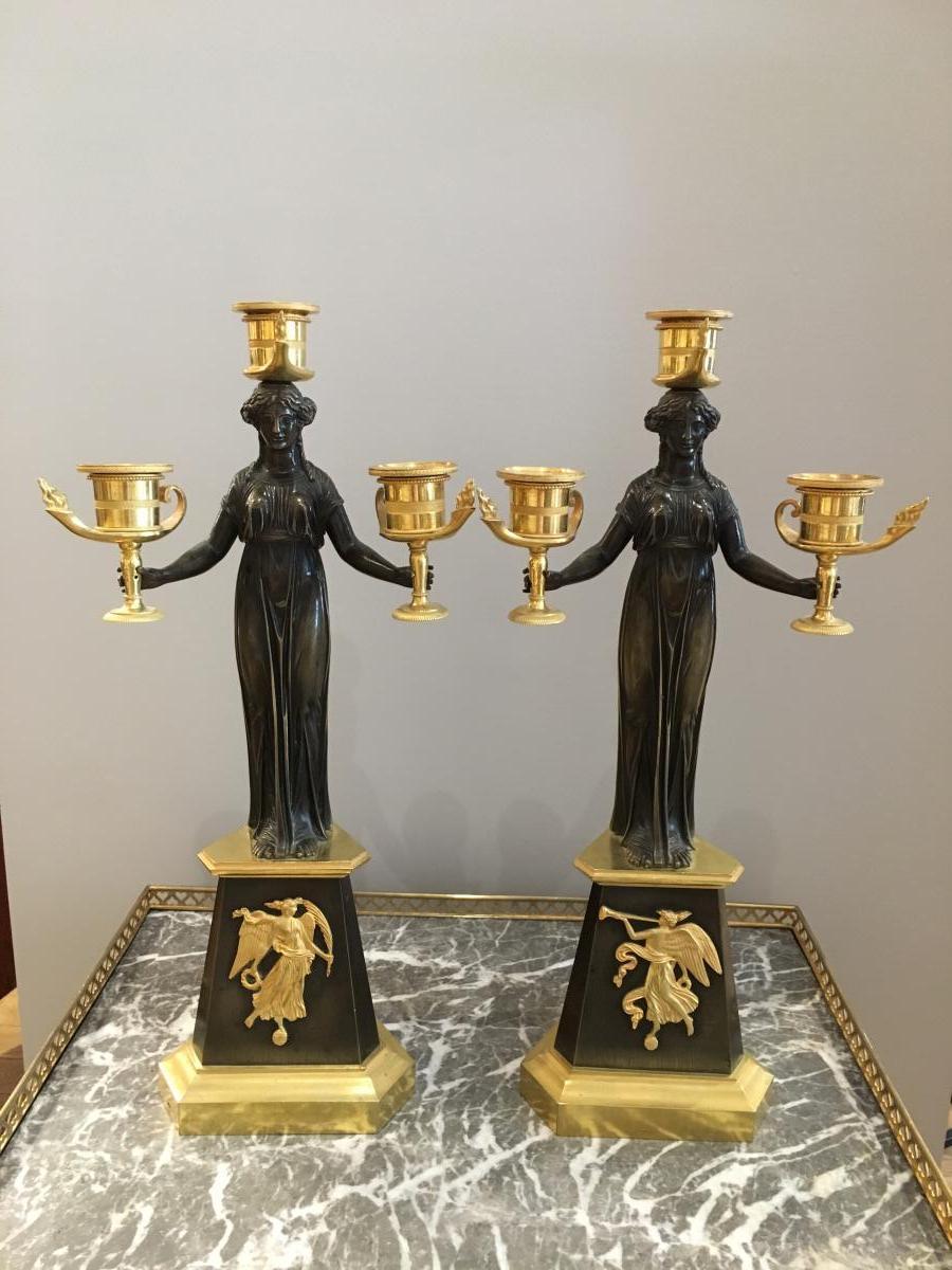 Paire de candélabres «La Victoire» attribuée à Claude Galle