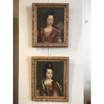 Paire de portraits de Madame de Montespan et de sa sœur, époque fin Louis XIV
