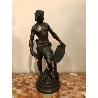 """Bronze: """"Le Forgeron Gaulois"""" signé A.  Masjoulle. Haut. 53cm."""